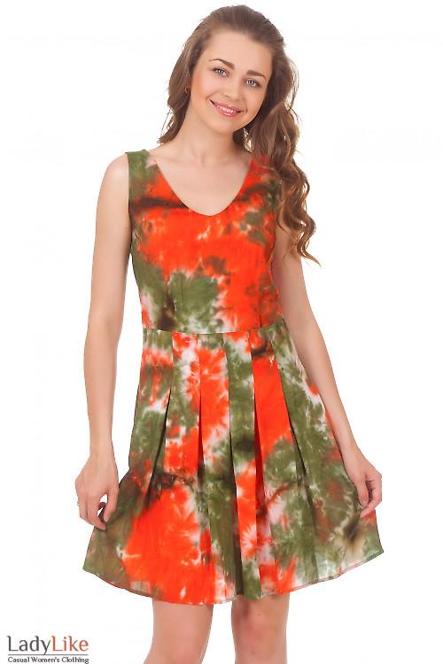 Платье зеленое со складками на юбке Деловая женская одежда