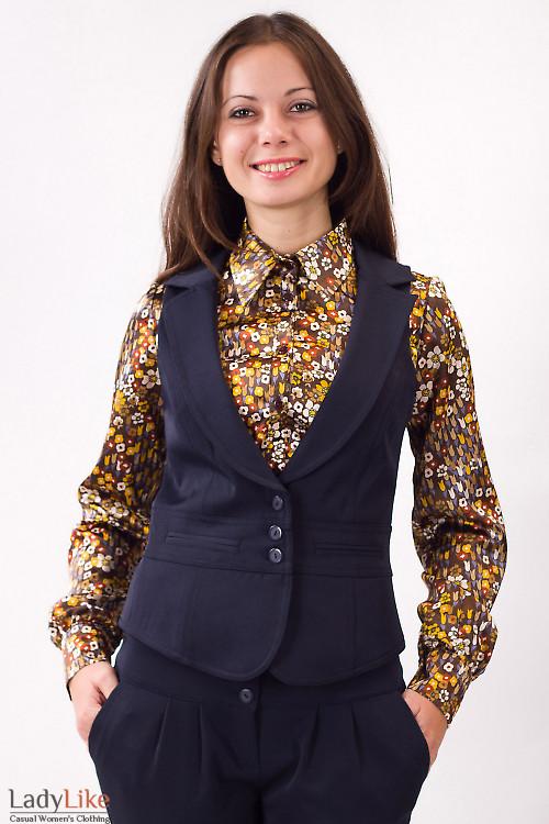 Фото Жилетка темно-синяя с воротником Деловая женская одежда