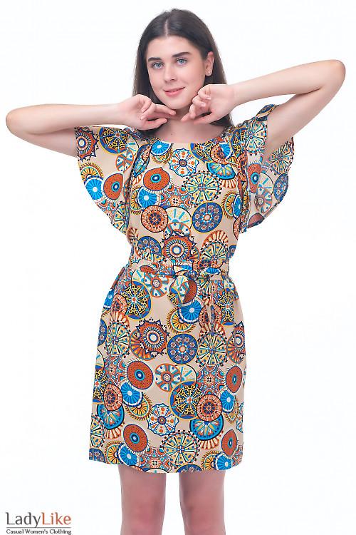 Платье в бежевый узор с крылышками Деловая женская одежда