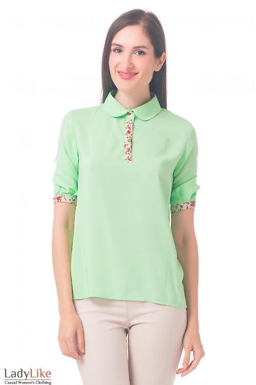 Салатовая блузка с цветной планкой Деловая женская одежда
