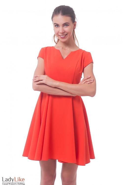 Оранжевое платье с пышной юбкой Деловая женская одежда