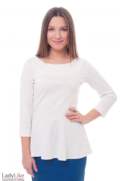 Блузка белая трикотажная с баской Деловая женская одежда фото