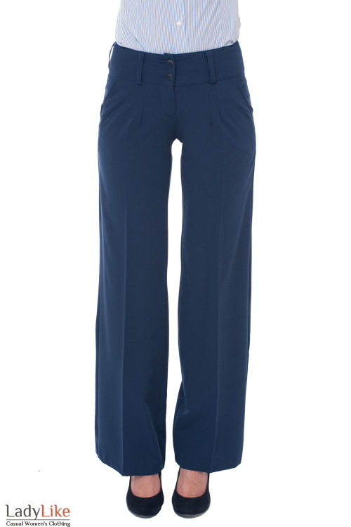 Деловая женская одежда Брюки клеш от бедра темно-синие фото