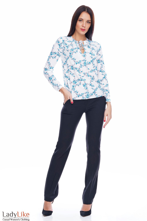 Блузка на завязочках в голубые цветочки Деловая женская одежда фото