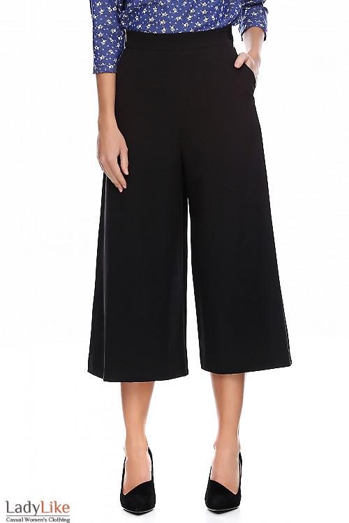 Брюки кюлоты черные. Деловая женская одежда фото