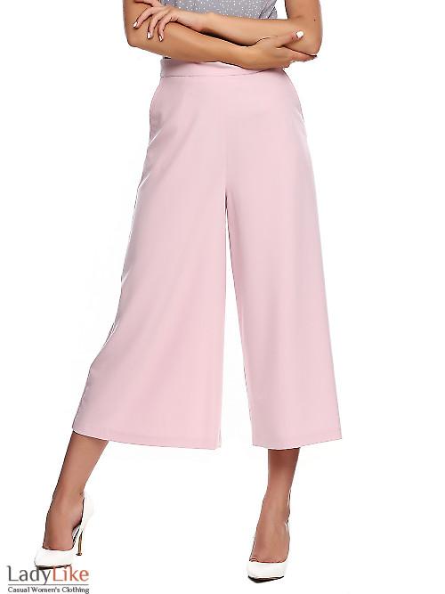 Брюки кюлоты розовые. Деловая женская одежда фото