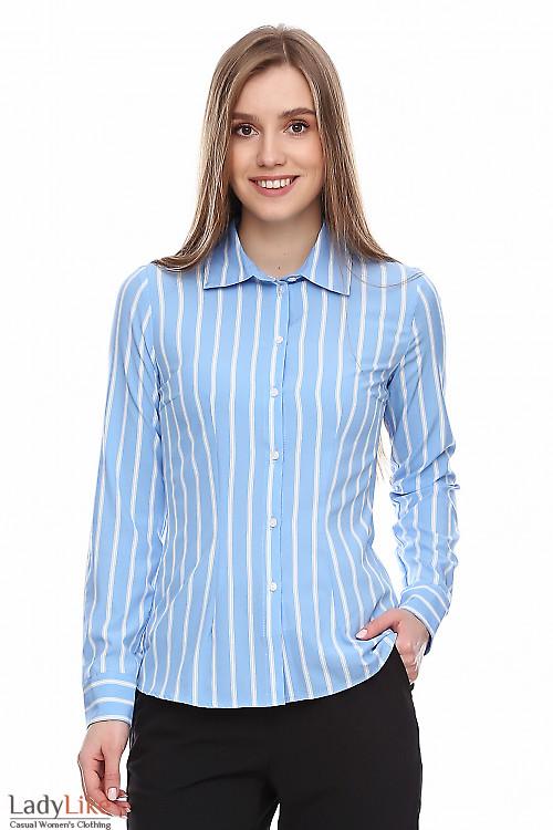 Рубашка голубая в белую полоску. Деловая женская одежда фото