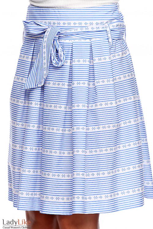 Юбка в горизонтальную голубую полоску. Деловая женская одежда фото