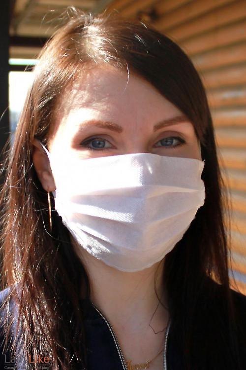 Защитная одноразовая маска