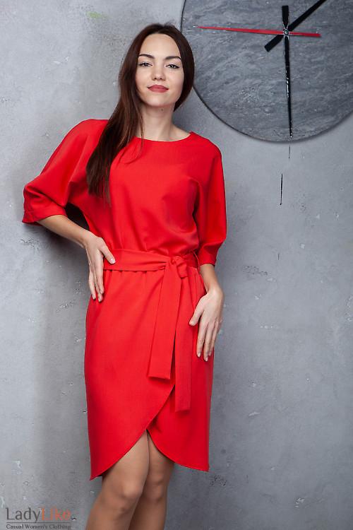 Платье красное с юбкой на запах. Деловая женская одежда