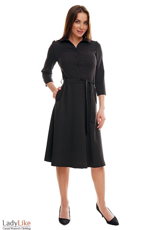 Платье миди черное под пояс. Деловая женская одежда фото