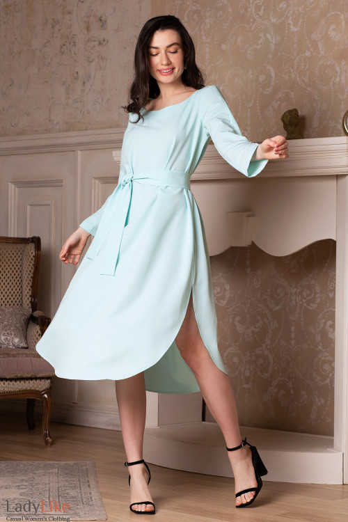 Платье просторное мятное с поясом. Деловая женская одежда фото