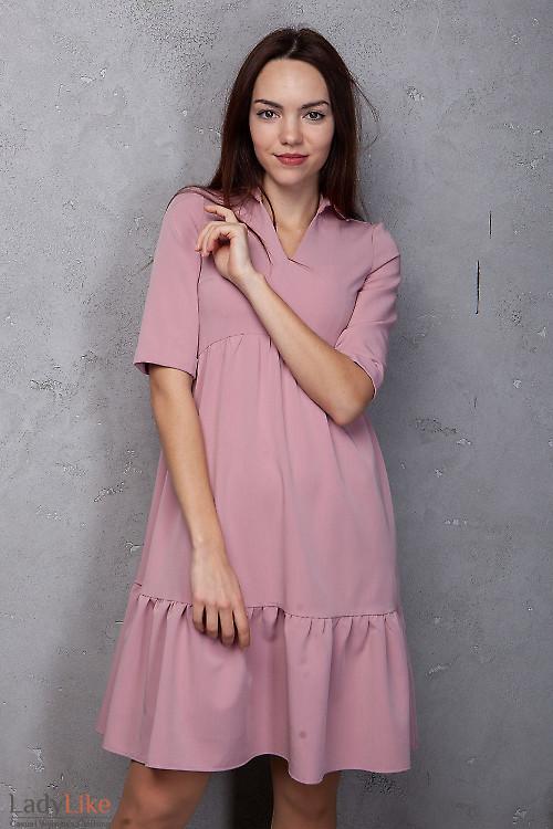 Платье розовое с оборками. Деловая женская одежда фото