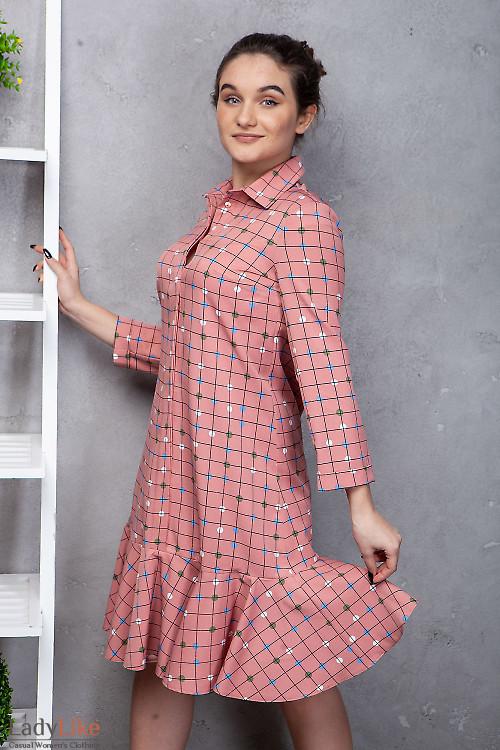 Платье с оборкой в клетку. Деловая женская одежда фото
