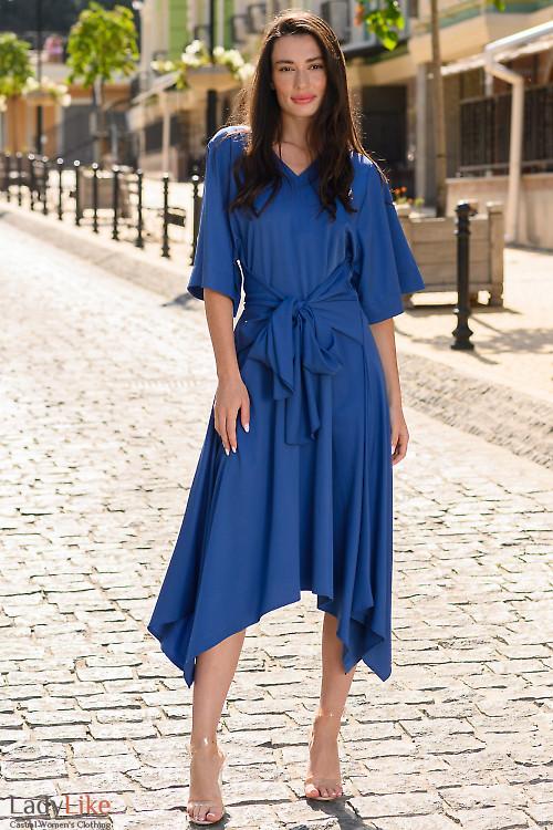 Платье синее с удлиненными боками. Деловая одежда