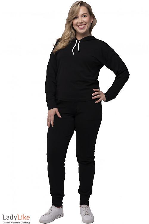 Спортивный черный костюм с капюшоном. Деловая одежда