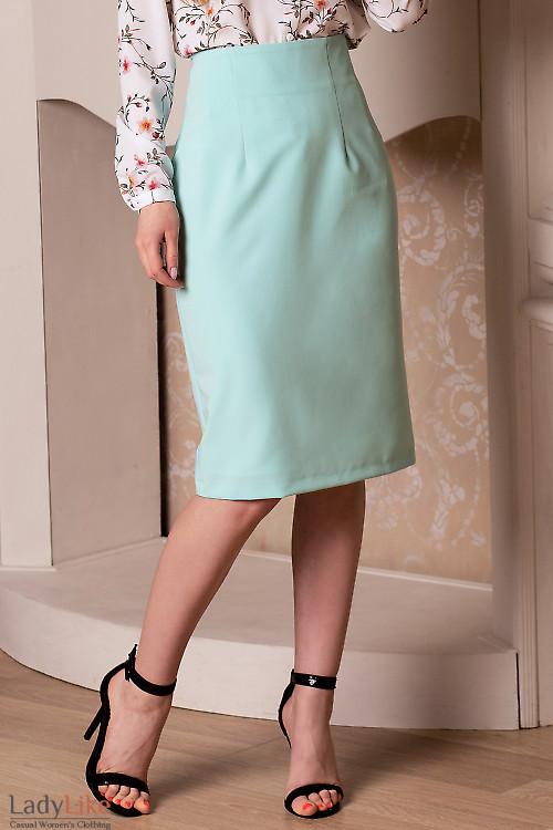 Юбка карандаш бирюзового цвета. Деловая женская одежда фото