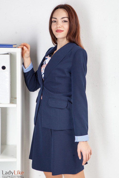 Жакет синий с шалевым воротником. Деловая женская одежда фото