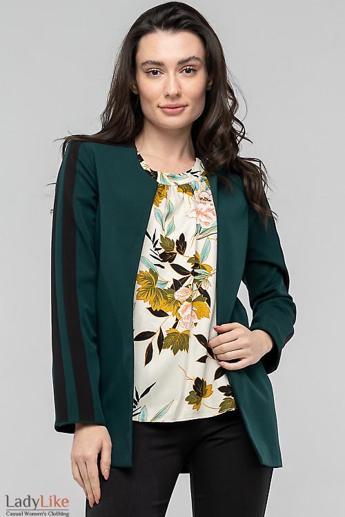 Жакет зелёный с чёрными вставками. Деловая одежда фото