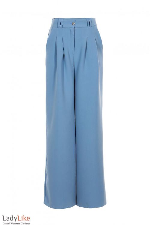 Брюки серо-голубые просторные. Деловая женская одежда фото