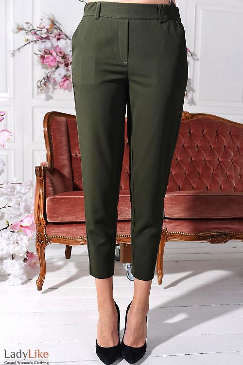 Брюки зеленые укороченные на резинке с карманам. Деловая женская одежда