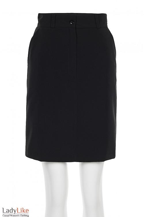 Юбка черная короткая с застежкой впереди. Деловая женская одежда фото