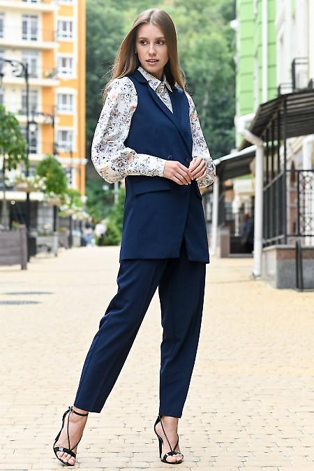 Женский костюм темно-синего цвета. Деловая женская одежда