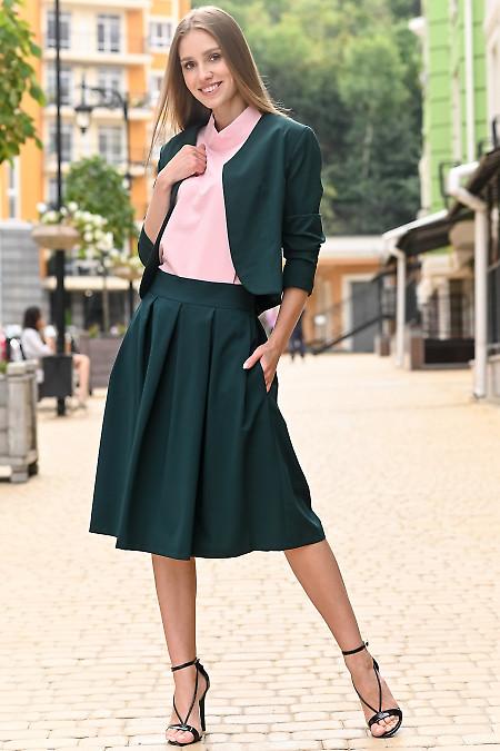 Зеленый костюм с пышной юбкой. Деловая женская одежда