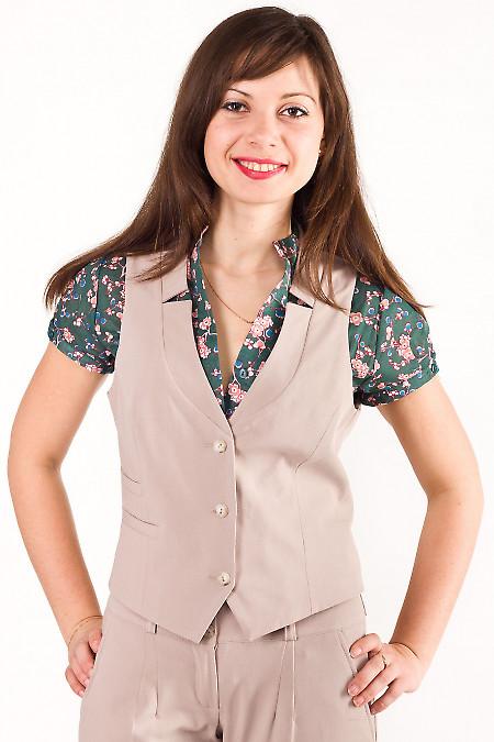 Фото Жилетка бежевая с воротником Деловая женская одежда