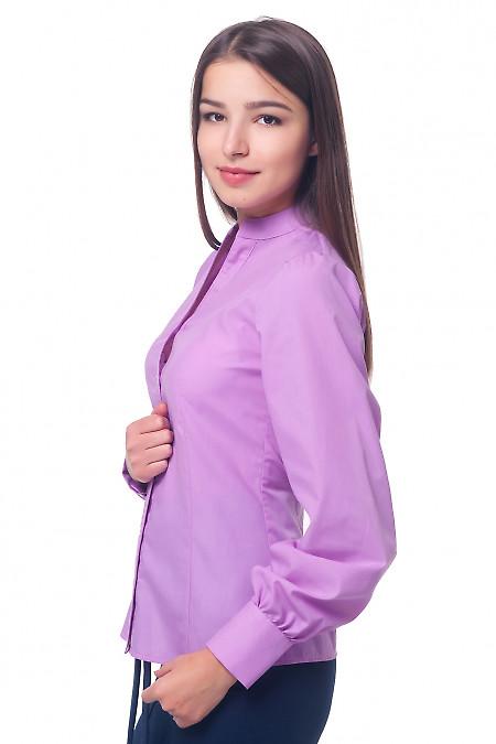 Сиреневая блуза приталенного кроя