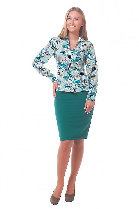 Прямая юбка зеленого цвета с блузкой