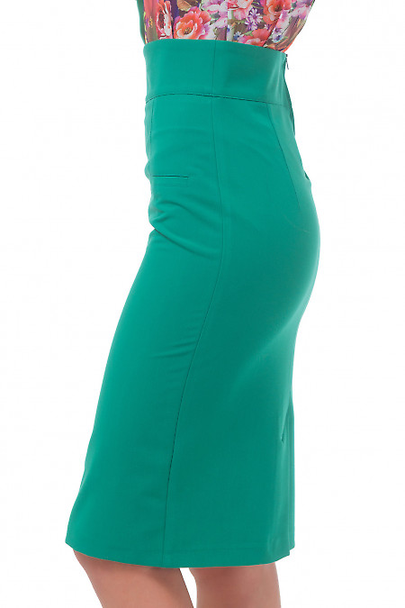 Зеленая юбка с карманами-обманками