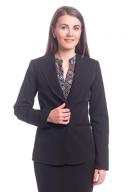 Жакет черный с латкой на плече. Деловая женская одежда