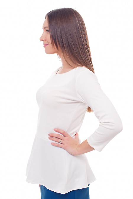 Трикотажна блуза з баскою
