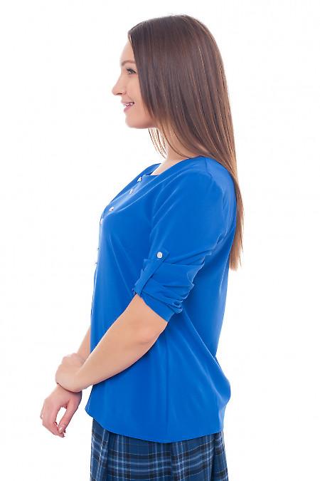 Женская блузка из софта цвета электрик