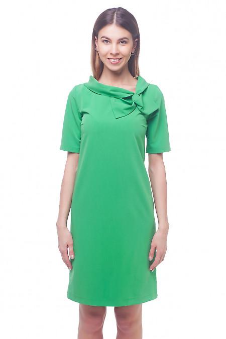 Платье зеленое с бантом на воротнике Деловая женская одежда