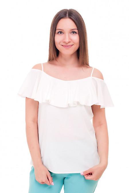 Блузка молочная с широким воланом Деловая женская одежда