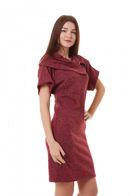 Бордовое платье-футляр