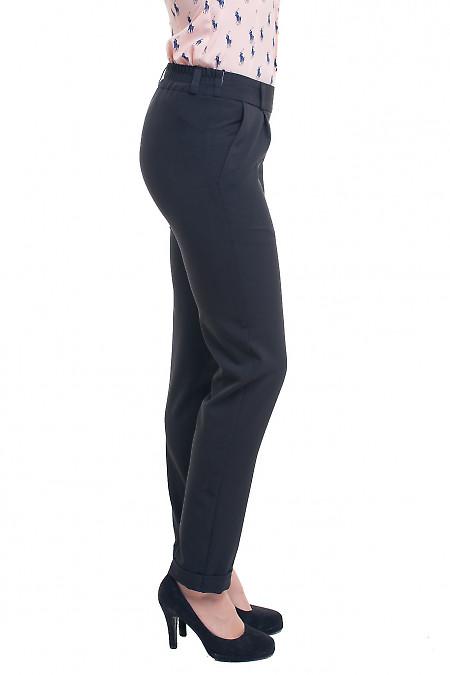 Черные брюки со средней посадкой в талии