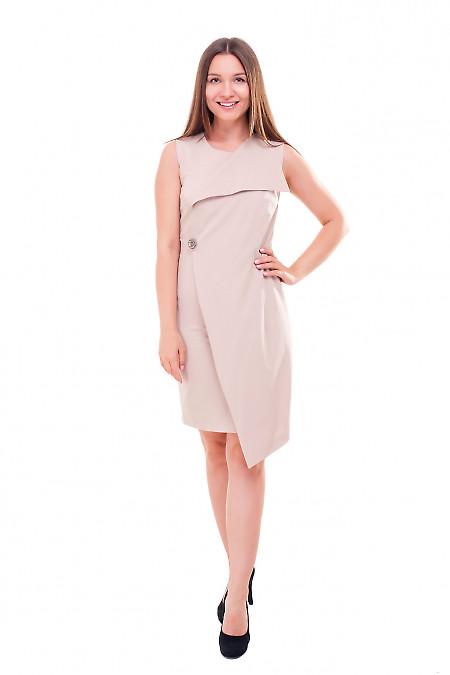 Купить платье бежевое с брошкой Деловая женская одежда фото