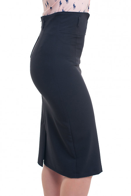 Черная приталенная юбка зауженная к низу