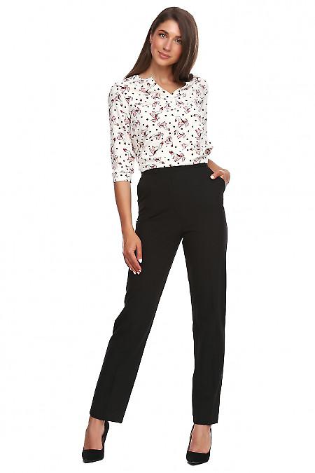 Купить черные классические высокие брюки. Деловая женская одежда фото