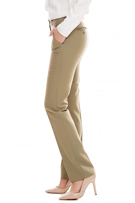 Оливковые брюки со средней посадкой