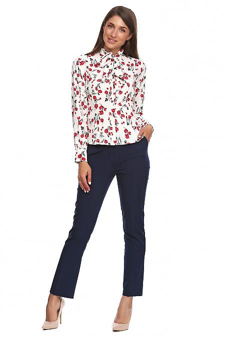 Купить синие укороченные брюки. Деловая женская одежда фото