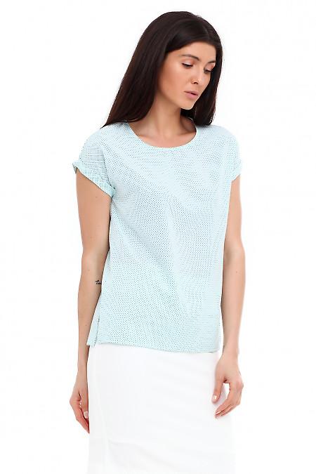 Летняя бирюзовая футболка в синюю точку