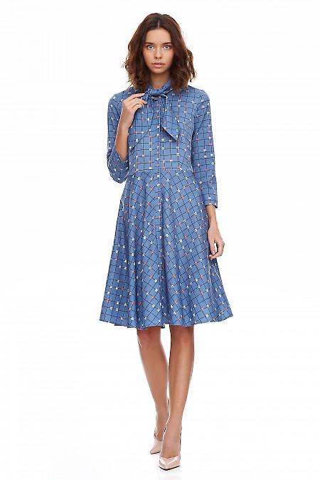 Купить платье голубое в клетку с бантом. Деловая женская одежда фото