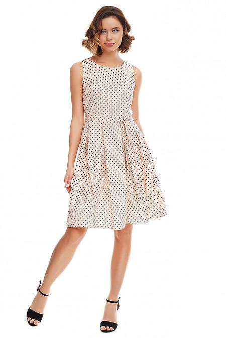 Платье розовое с пышной юбкой. Деловая женская одежда фото