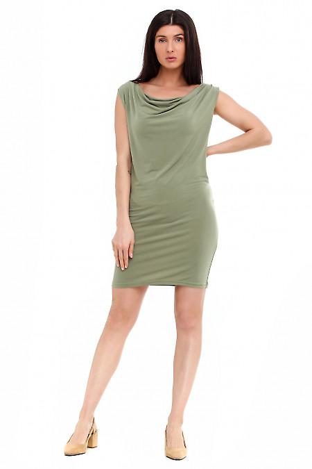 Зеленое трикотажное платье