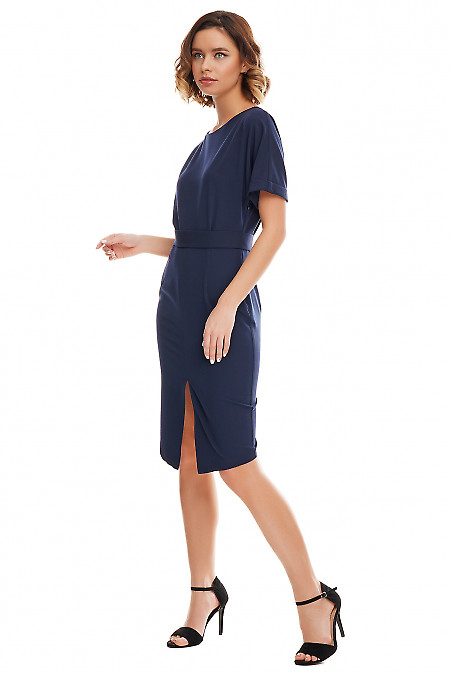 Необычное платье темно-синего цвета