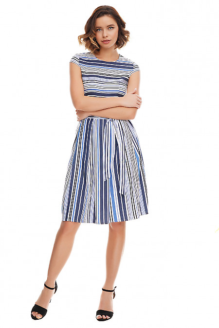Платье в синюю полосу с пышной юбкой. Деловая женская одежда